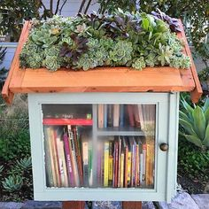 Cute Little Free Library Design Ideas, Recycling for Gifts and Yard Decorations Little Free Library Plans, Little Free Libraries, Little Library, Street Library, Mini Library, Community Library, Lending Library, Library Design, Library Ideas