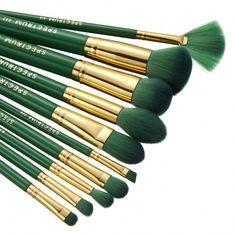 10 Piece Malachite Brush Set – Spectrum Collections #MakeupTutorialStepByStep Best Makeup Brush Brands, How To Wash Makeup Brushes, Best Makeup Brushes, Makeup Brands, Makeup Brush Set, Cruelty Free Brushes, Cruelty Free Makeup, Uk Makeup, Makeup Tools