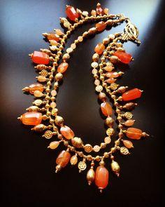 Gold Earrings Designs, Gold Jewellery Design, Bead Jewellery, Beaded Jewelry, Jewelery, Necklace Designs, Emerald Jewelry, Gemstone Jewelry, Emerald Bracelet