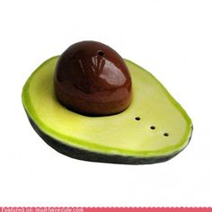avocado salt and pepper shakers - I collect salt & pepper shakers these would make a wonderful addition to my collection Salt And Pepper Set, Salt Pepper Shakers, Spice Things Up, Cake Decorating, Decorating Ideas, Stuffed Peppers, Sweet, Desserts, Recipes
