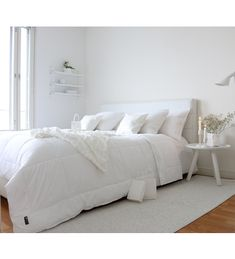 Bedroom Inspo, Bedrooms, New Homes, Furniture, Home Decor, Decoration Home, Room Decor, Bedroom, Home Furnishings