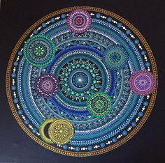Mandala sobre lienzo 40x40cm pintado a mano, técnica dotillismo