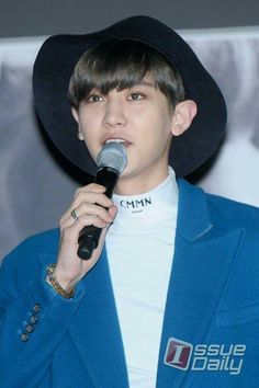 Chanyeol at EXO's Second Album comeback press conference Park Chanyeol, Cowboy Hats, Rapper, Cute, Conference, Album, Outfits, Suits, Kawaii