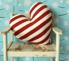 I ADORE this Love Heart Pillow. I Love Heart, With All My Heart, Happy Heart, Crazy Heart, Valentine Day Crafts, Funny Valentine, Be My Valentine, Heart Pillow, Heart Cushion