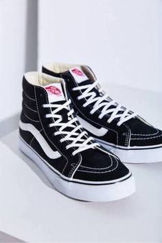 149833ad6e Vans hightops in black Tenis Vans Old School