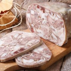 Fromage de tête maison - Expolore the best and the special ideas about Smoking meat Hog Head Cheese Recipe, Amish Recipes, Cooking Recipes, Pigeon Meat, Smothered Potatoes, Pork Hock, Specialty Meats, Meat Sandwich, Smoked Pork