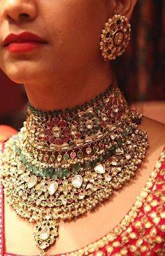 Gold Wedding Jewelry New Designs By Kundan 2018 Royal Jewelry, India Jewelry, Gold Jewellery, Bridal Jewellery, Amrapali Jewellery, Silver Jewelry, Jewellery Shops, Pakistani Jewelry, Indian Wedding Jewelry