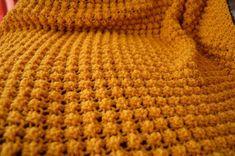 Easy Bobble Baby Blanket Knitting pattern by Daisy Gray Knits Christmas Knitting Patterns, Baby Knitting Patterns, Stitch Patterns, Crochet Patterns, Blanket Patterns, Crochet Fall, Easy Crochet, Chunky Blanket, Arm Knitting