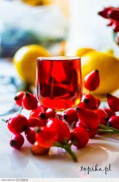 Nalewka żenicha kresowa Składniki: 1 kg owoców róży,… na Stylowi.pl My Favorite Food, Favorite Recipes, My Favorite Things, Polish Recipes, Irish Cream, Cocktails, Drinks, Vodka, Smoothies