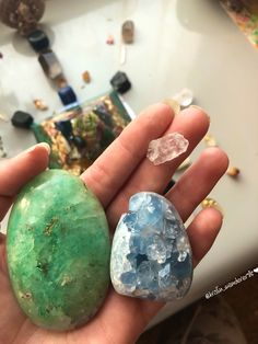 Fushite & Celestite & Phenkite ♂️✨ wow! Meditated with the three crystals today. what a divine beautiful flow of healing energy. So Radiant!✨