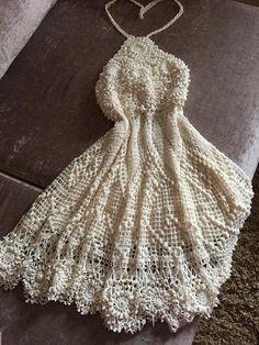 Fabulous Crochet a Little Black Crochet Dress Ideas. Georgeous Crochet a Little Black Crochet Dress Ideas. Crochet Leaves, Crochet Motifs, Freeform Crochet, Crochet Stitches, Crochet Bodycon Dresses, Crochet Summer Dresses, Crochet Blouse, Crochet Woman, Crochet Dresses