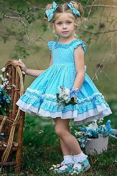 24 Country Flower Girl Dresses That Are Pretty Flower Girl Dresses Country, Dresses Kids Girl, Little Girl Dresses, Children Dress, Baby Girl Fashion, Kids Fashion, Baby Dress, The Dress, Pretty Wedding Dresses