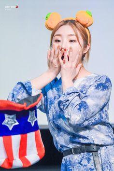 WheeIn | Mamamoo | White Wind Fansign