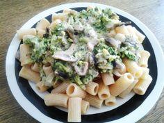 Una manera diferente de preparar brócoli con pasta, creando una suculenta salsa a base de brócoli! La receta original la realizó Sara Gascés para nuestro concurso
