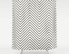 Rideau - Chevron noir léger - pendaison de crémaillère cadeau - rideau de douche de salle de bain - noir et blanc rideau de douche - Fashion décor de douche