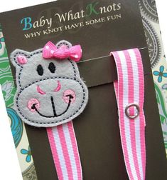 This is an adorable pacifier clip featuring a hippopotamus. One end of the clip has a snap to loop around and attach to the pacifier and the other - Avigayil needs this! Pacifier Holder, Pacifier Clips, Baby Life Hacks, Kit Bebe, Suspender Clips, Sewing To Sell, Dummy Clips, Biscuit, Felt Applique