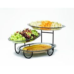 This buffet server is the ultimate centerpiece for indoor and outdoor entertaining. The three large unbreakable polycarbonate trays are dishwasher