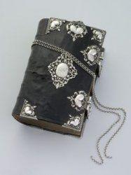 Onbekende zilversmid - kerkboek met zilverbeslag.