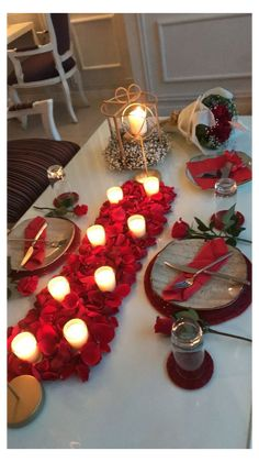 Romantic Dinner Tables, Romantic Dinner Setting, Romantic Date Night Ideas, Romantic Dinners, Romantic Homes, Romantic Valentine Ideas, Romantic Boyfriend Birthday Ideas, Romantic Ideas For Him, Valentine's Home Decoration