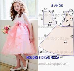Eu amo esses vestidos com pegada mais romântica, com tule, flores.. Esse modelo é lindo, segue o molde para menina de 8 anos de idade... D...