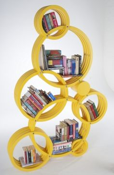 89 Models Beautiful Circular Bookshelf Design For Complement of Your Home Decoration - Creative Bookshelves, Bookshelf Design, Bookshelf Ideas, Funky Furniture, Design Furniture, Book Storage, Book Shelves, Ideas Para Organizar, Book Nooks