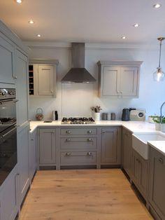 Open Plan Kitchen Living Room, Kitchen Dining Living, Home Decor Kitchen, Kitchen Interior, Home Kitchens, Shaker Style Kitchens, New Kitchen Cabinets, Inframe Kitchen, Kitchen Ideas