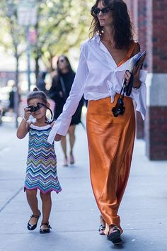Street Style Trend Statement Sleeves - Image 4