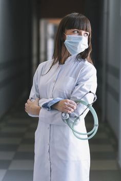 Medic woman in mask with stethoscope Fre. Doctor Drawing, Beautiful Nurse, Medical Photos, Girl Hiding Face, Close Up Portraits, Professional Portrait, Female Doctor, Graduation Pictures, Stethoscope