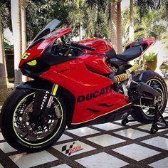 #ducati ______________________________________________  #bikelife #Instamotogalery  #bikervideos #moto #motor #bike #repost  #photooftheday #yamaha #motorcycle #motocross #motorbike #honda #ktm #bmw #car #sportbiker #like4like #gopro #seguidores #kawasaki #ducati #cbr  #followme #suzuki #goprocar #eusouduasrodas by eusouduasrodas