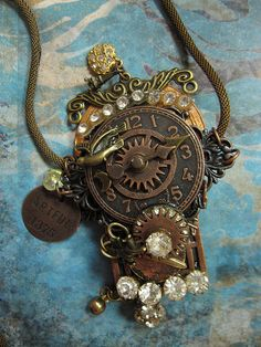 Beautiful steampunk necklace***Research for possible future project.