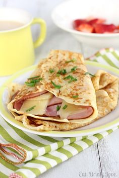 The perfect savory breakfast or brunch recipe - homemade crepes are stuffed with ham and gruyere cheese. Crepe Recipes, Brunch Recipes, Breakfast Recipes, Pancake Recipes, Breakfast Sandwiches, Waffle Recipes, Crepes And Waffles, Savory Crepes, Ham And Cheese Crepes