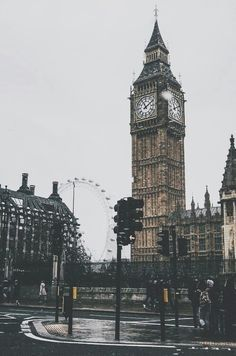 Discovered by ObliviatE⌛. Find images and videos about london, Big Ben and city on We Heart It - the app to get lost in what you love.