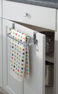 Over-Door Towel Bar // clever idea for the kitchen!