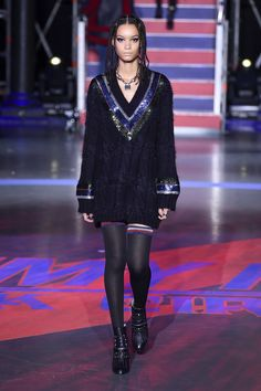 Tommy Hilfiger Fall 2017 Ready-to-Wear Fashion Show Collection