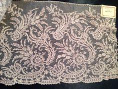 Vintage Spitze - Antik! Plauener Spitze,Tüllspitze bestickt SELTEN - ein Designerstück von mypatchworld bei DaWanda Lace Trim, Designer, Tapestry, Embroidery, Etsy, Decor, Vintage Lace, Fabrics, Hanging Tapestry