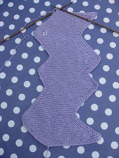 Skapa och Inreda: Tre små stickade koftor Stick O, Baby Knitting Patterns, Rompers, Children, Boys, Inspiration, Knitted Baby, Baby Girls, Babies