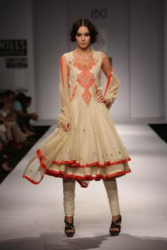 41a89487fb A A I N A - Bridal Beauty and Style Indian Look, Indian Style, Indian  Ethnic, India