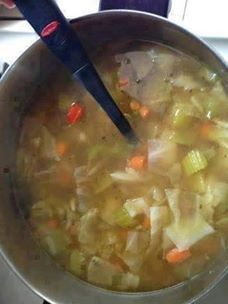 Day Diet Weight Loss Soup Wonder If you want to lose weight, it doesn't have to be that hard. You can still enjoy tasty food and lose weight! This amazing weight loss soup is magnificent. Check out how it's made. You'll Need: ½ Weight Loss Meals, Weight Loss Soup, Atkins Recipes, Diet Recipes, Cooking Recipes, Healthy Recipes, Easy Recipes, Locarb Recipes, Diabetic Recipes
