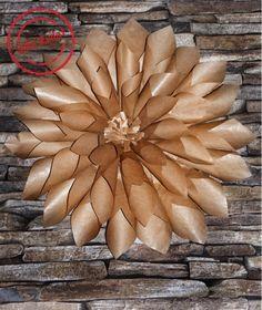 riesige blüten aus packpapier, einfache bastel anleitung für eine wundervolle wand oder hochzeits dekoration