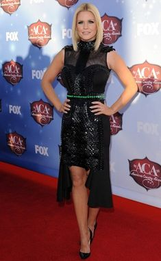 American Country Awards red carpet dress by: Alpana Neeraj styled by: Quentin Owens makeup: Jessica Hoffman hair: Matthew Motherhead Sara Evans, Danica Patrick, Mandalay, American Country, Red Carpet Dresses, Foxes, Get The Look, Carrie, Awards