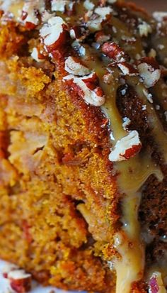 Apple Pumpkin Cinnamon Vanilla Bundt Cake - the best and the easiest Autumn bundt cake you'll ever make. You can optionally drizzle the cake with dulce de leche (or caramel sauce) and top it with Desserts Menu, Fall Desserts, Just Desserts, Delicious Desserts, Dessert Recipes, Yummy Food, Plated Desserts, Apple Desserts, Mini Desserts