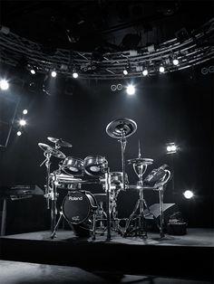 Roland TD-30KV V-Drum Kit  Nice....... Just a dream.....