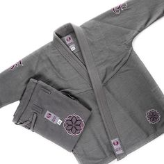 http://www.fenomkimonos.com/products.html