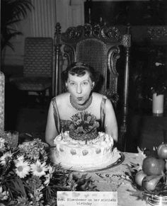 Mamie Eisenhower celebrates her birthday with her family at the White House, November [National Park Service photograph, Julie Nixon Eisenhower, Dwight Eisenhower, Gettysburg College, Great Novels, Blue Gown, Our President, American Presidents, Family Events, Big Waves