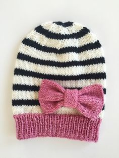 Sormustin: Lapsen rusettipipo + ohje Knitted beanie and bow + tutorial in finnish Knit Crochet, Crochet Hats, Bow Tutorial, Knit Beanie, Knit Patterns, Fun Projects, Baby Knitting, Knitted Hats, Weaving