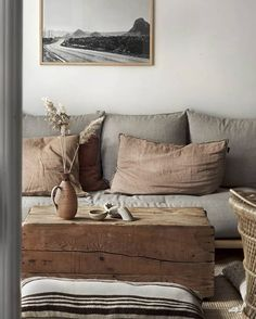 11 Coffee Table Ideas For Every Style And Budget (my scandinavian home) - Mid Century Minimalist Living Room is completely important for your home. Whether you choose the Mi - Living Room Decor, Living Spaces, Decor Room, Living Rooms, Bedroom Decor, Room Decorations, Bedroom Ideas, Interior Design Minimalist, Minimal Design