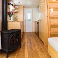 The most amazing 'off-the-grid' tiny house in beautiful Ojai, California Sea Container Homes, Building A Container Home, Container House Plans, Shipping Container Homes, Container Van, Shipping Containers, Best Tiny House, Tiny House Plans, Tiny House Community