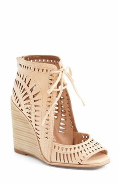 love! Cut Out Wedge!