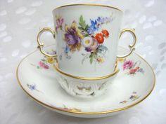 Meissen Trembleuse mit 2 Blumen-Bouquets, Insekten 19.Jh. 1.Wahl in Antiquitäten & Kunst, Porzellan & Keramik, Porzellan | eBay