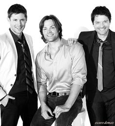 Jared, Jensen, and Misha ---Just saw a drawing of this picture on Deviantart that was cropped from the waist up... I was wondering why Jared was shorter. xD